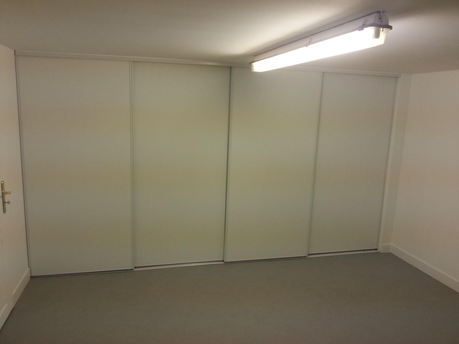 B t s am nagement placards dans garage 3m60 de long x2 x1 1m80 pose porte coulissantes for Amenagement placard garage