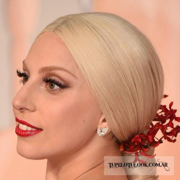 Lady Gaga peinados coletas 2015
