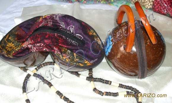 ... Seni Kriya dengan Senirupa Terapan padahal Seni Kriya adalah bagian