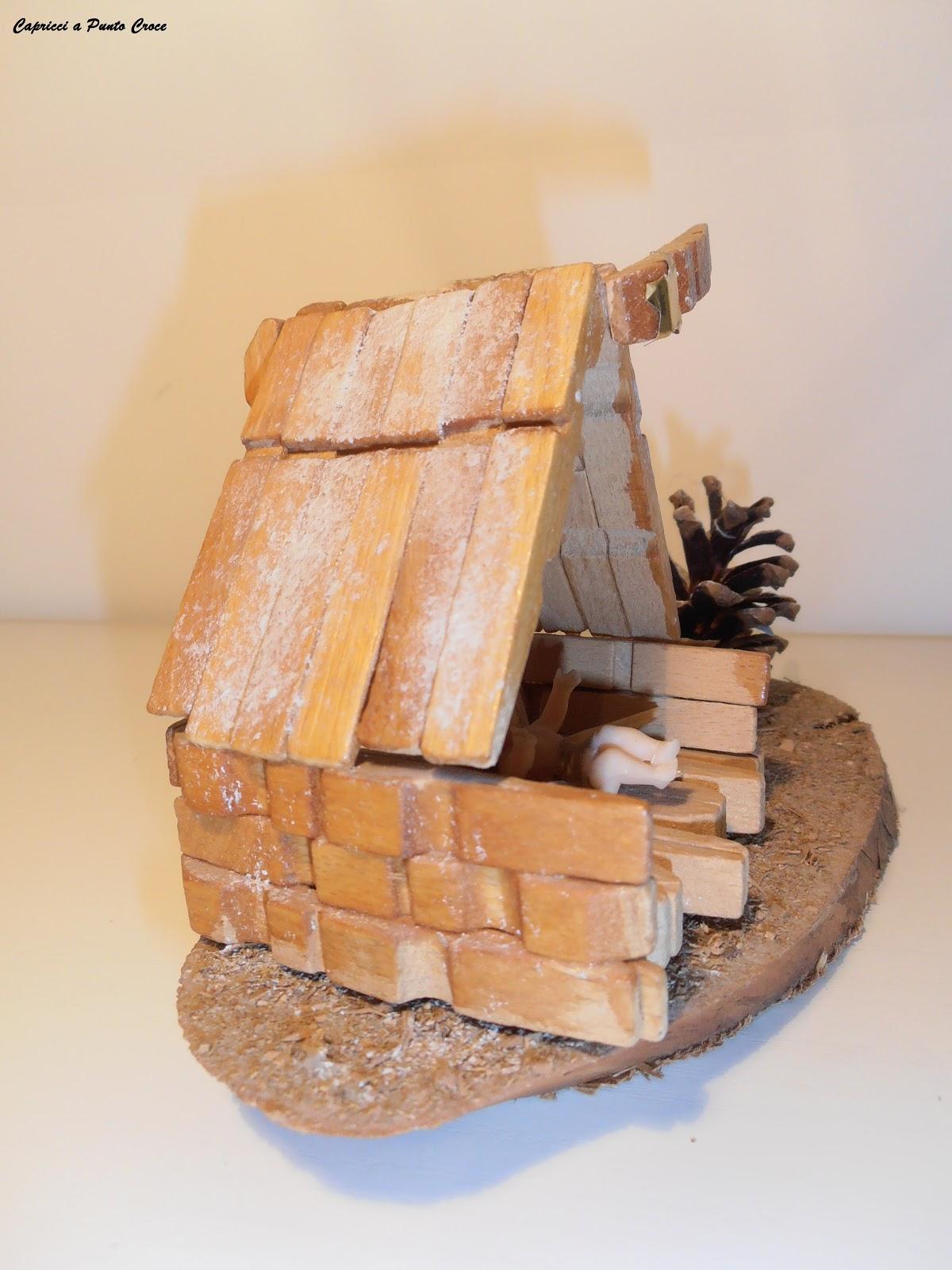 Capricci a punto croce mollette di legno e fantasia for Costruire una semplice capanna di legno