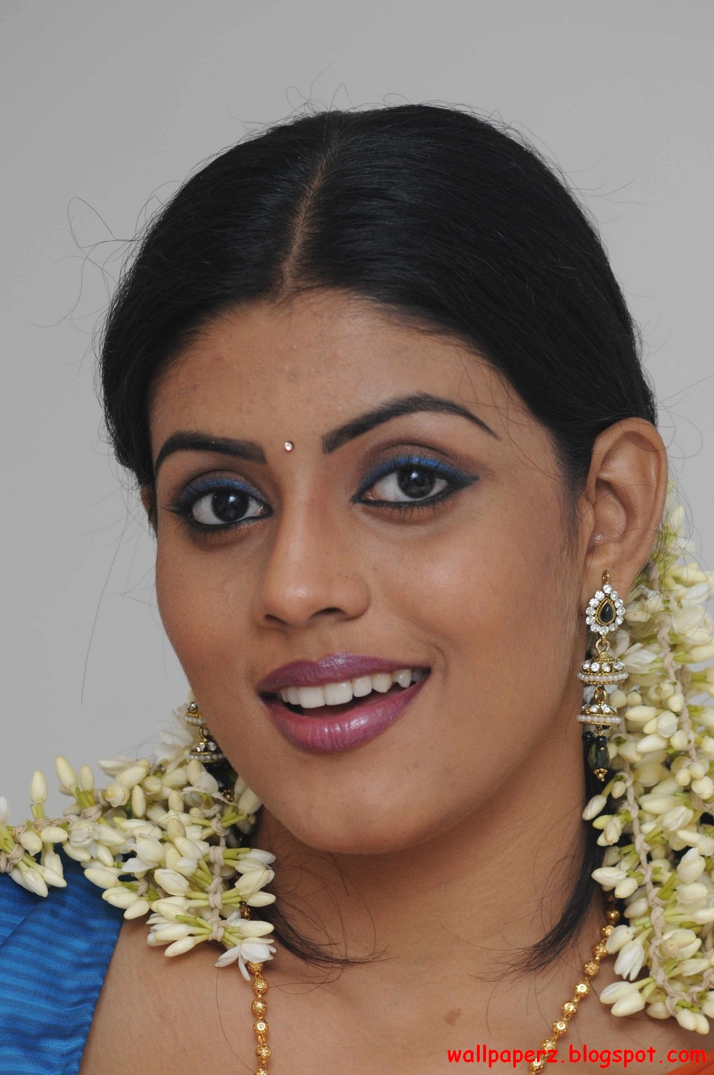 Iniya Pictures Wallpaperz Com Hot Image