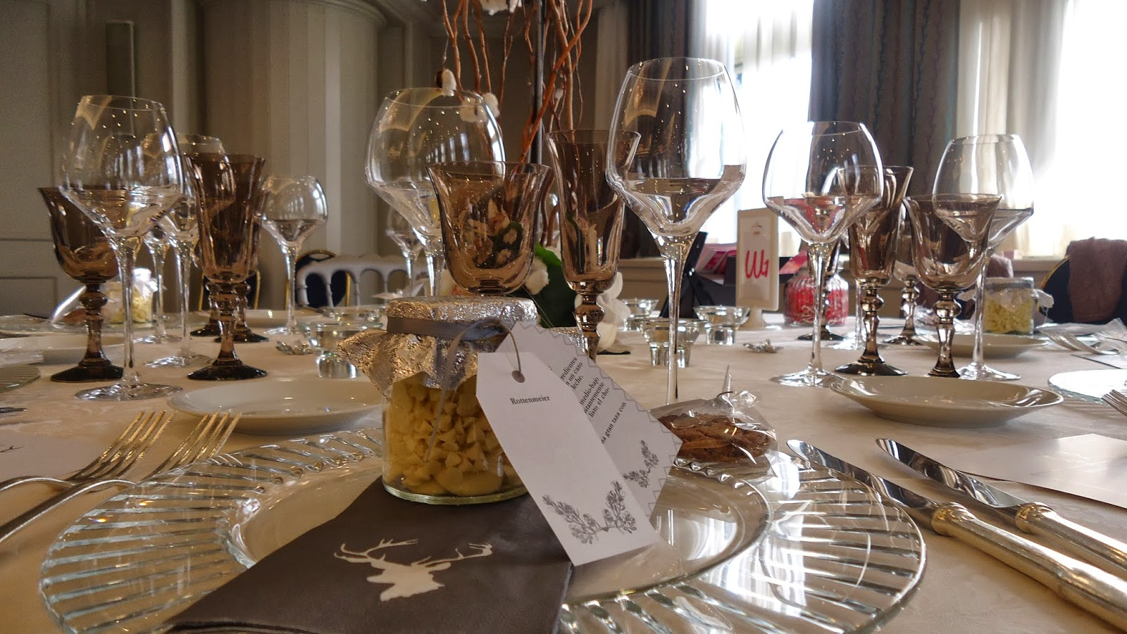 Las bodas de raquel mesas de banquete de bodas decoradas por wedding planners - Mesas decoradas para bodas ...
