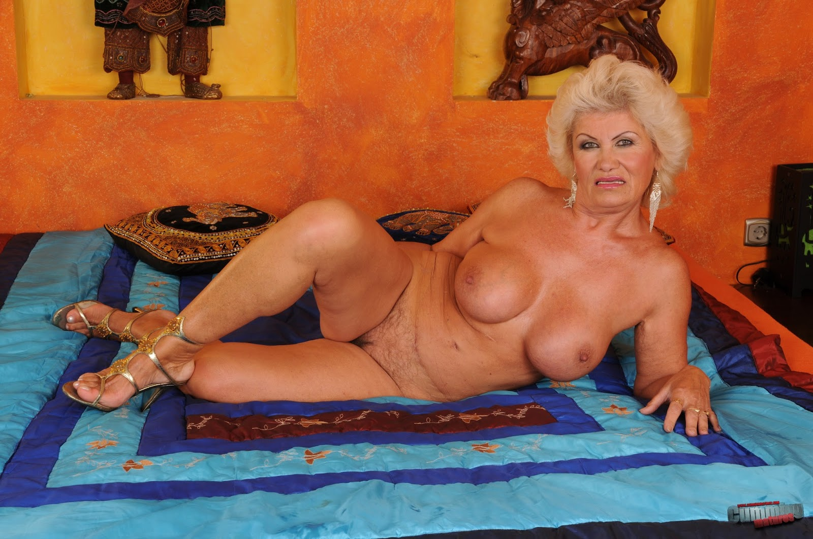Старая женщина за 60 лет лесби 21 фотография