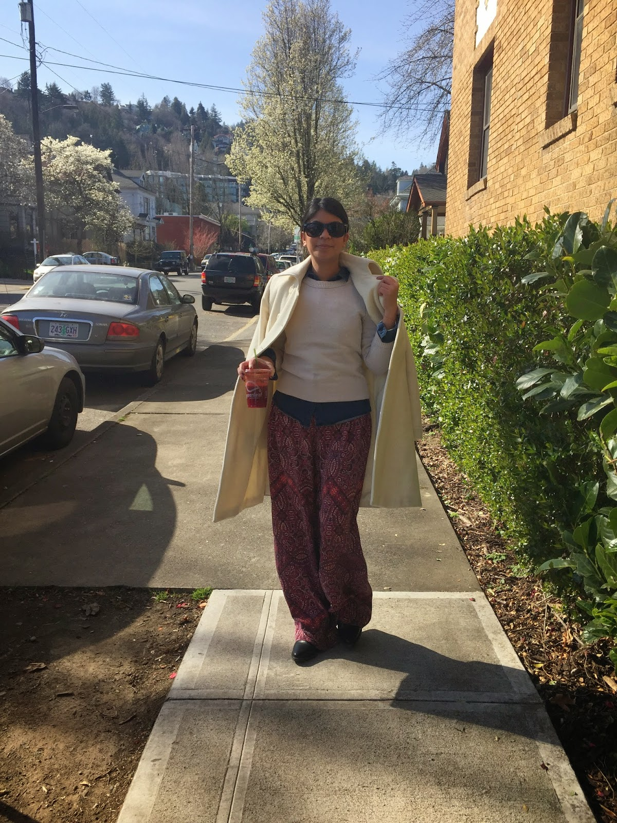 ootd, outfit of the day, portland fashion blogger, fashion blogger, fashionista, the town girls, palazzo pants, cynthia rowley, white coat, boots