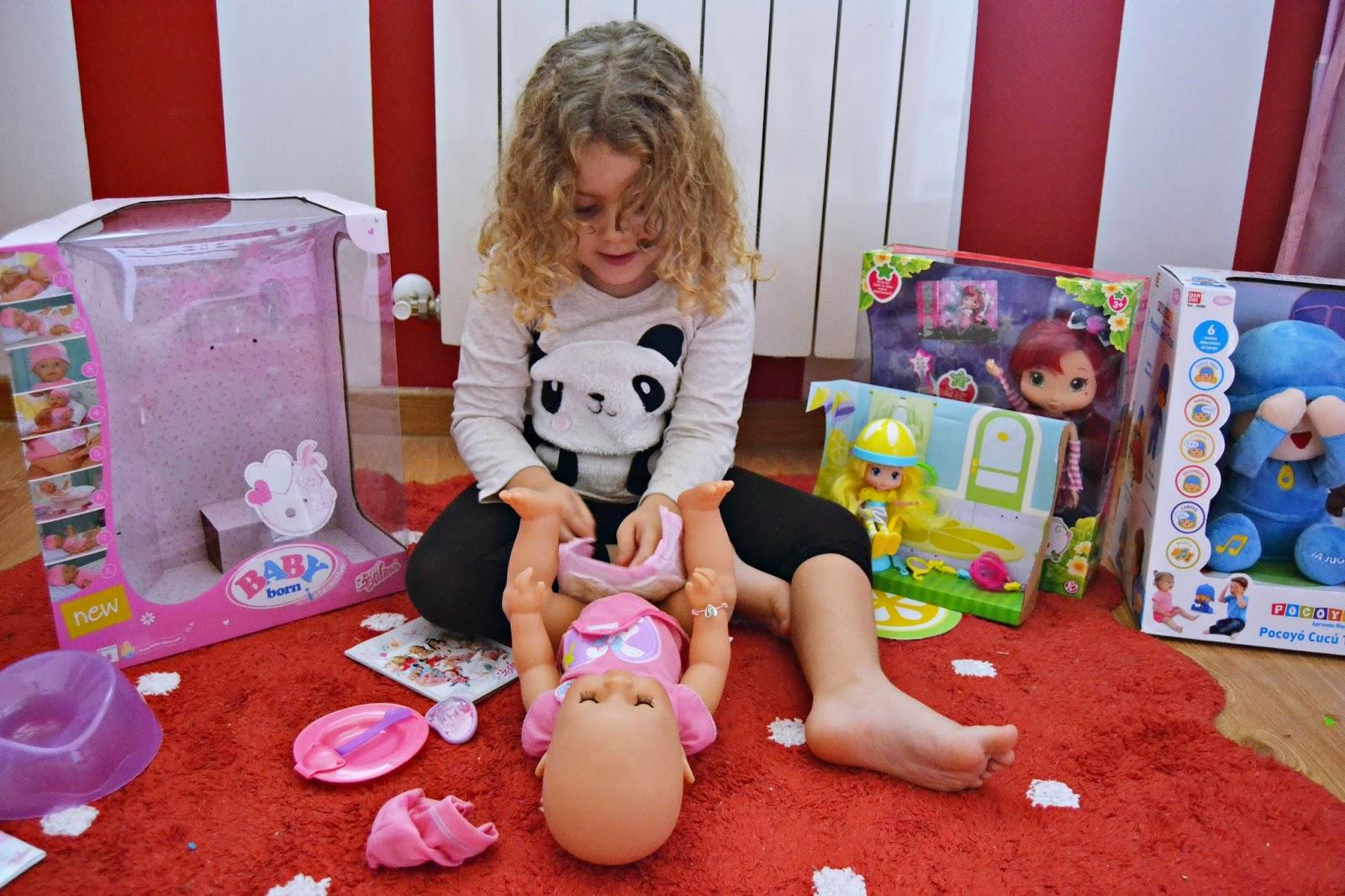 hemos probado muñeco baby born de bandai blog infantil mama de noa