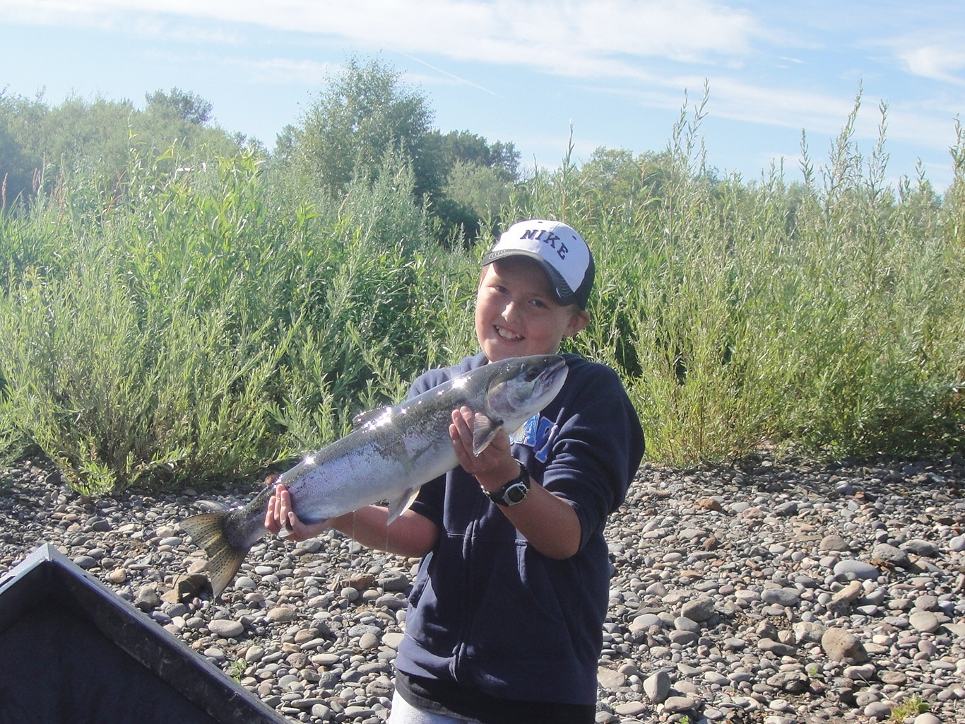 Justin 39 s catch rogue river fishing guides fishing the for Rogue river fishing report