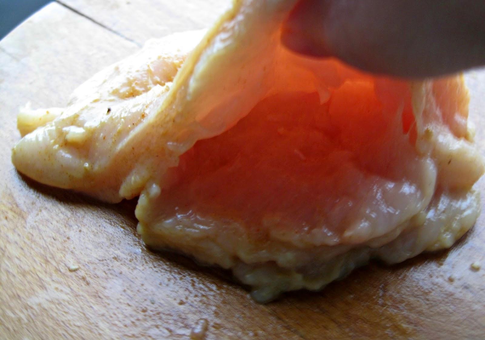 http://cupcakeluvs.blogspot.dk/2015/02/fyldt-kylling-fillet-med-svampe-og.html