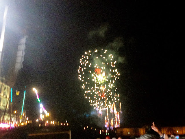 11pm fireworks at Edinburgh Hogmanay Street Party 2014