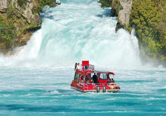 Las cataratas Huka Falls en Nueva Zelanda