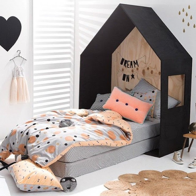 girlystan des lits cabane maison ou tipi pour la chambre d 39 enfant. Black Bedroom Furniture Sets. Home Design Ideas