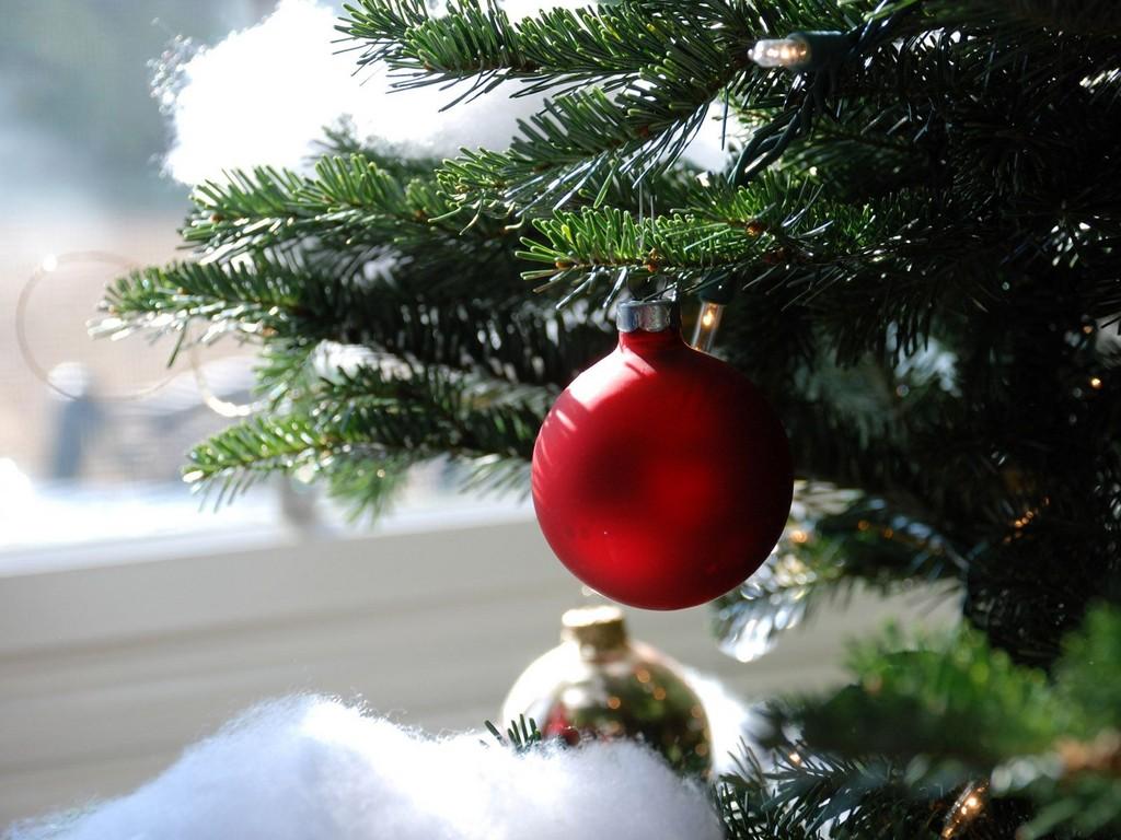 Christmas Tree Desktop Wallpapers