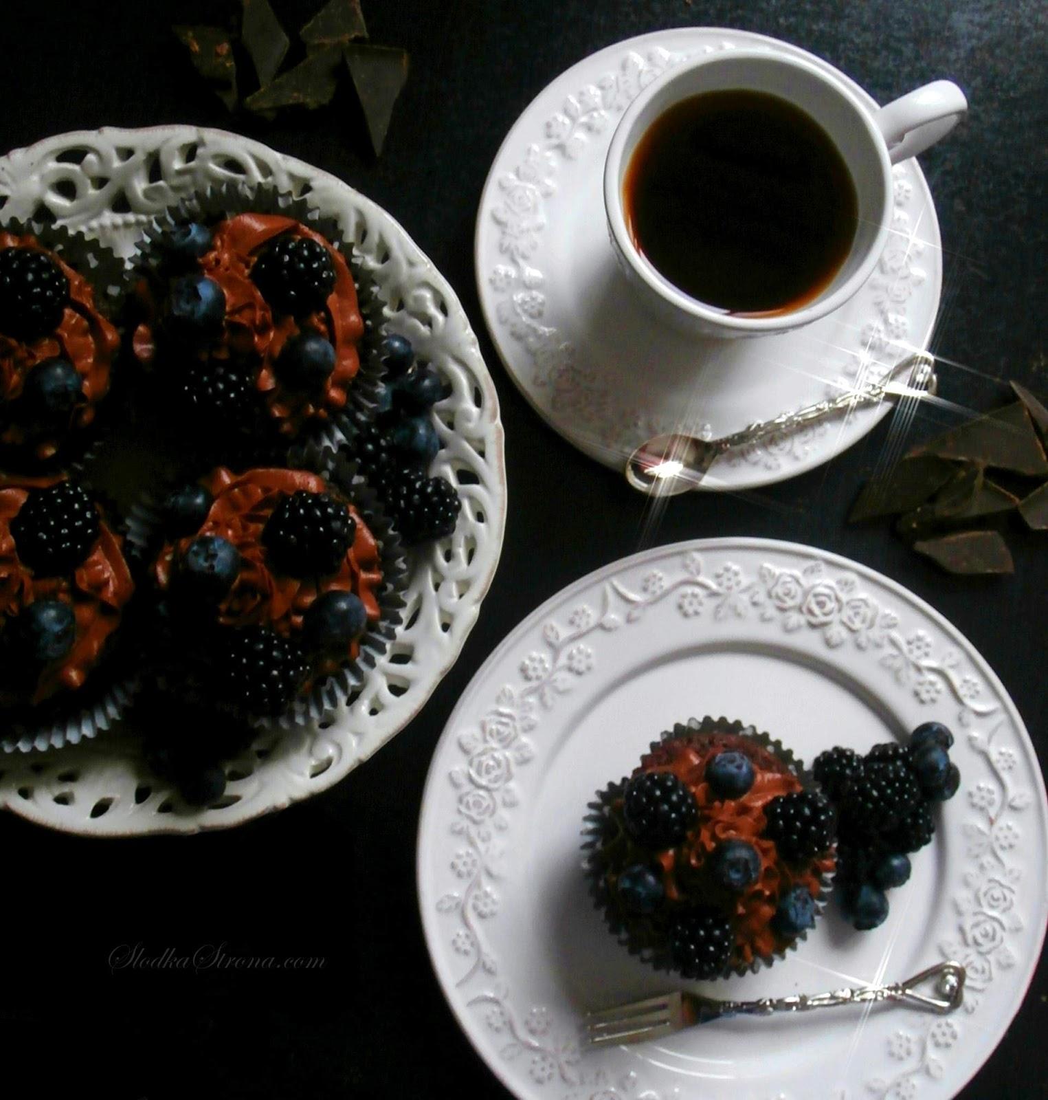 babeczki z jagodami czekoladowe