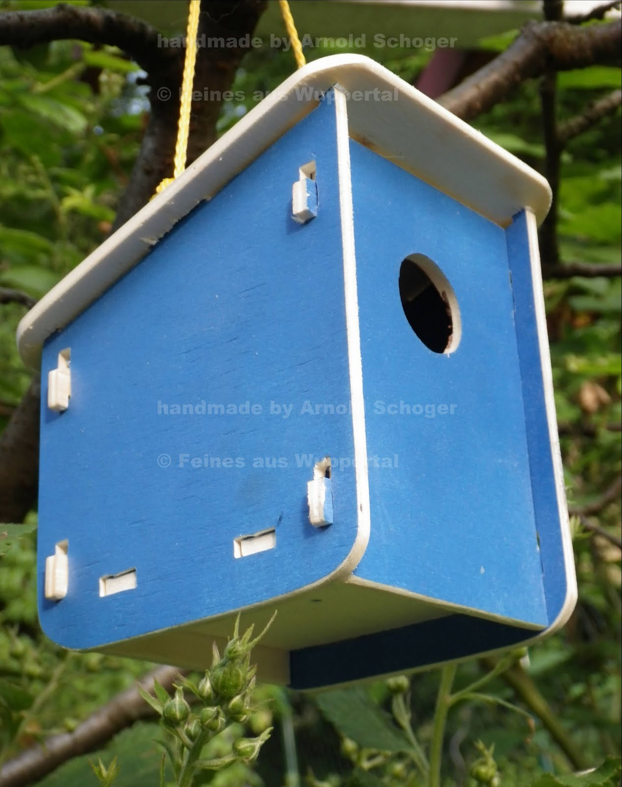 winziges vogelhaus als holzwerkstattprojekt an schulen feines aus wuppertal. Black Bedroom Furniture Sets. Home Design Ideas