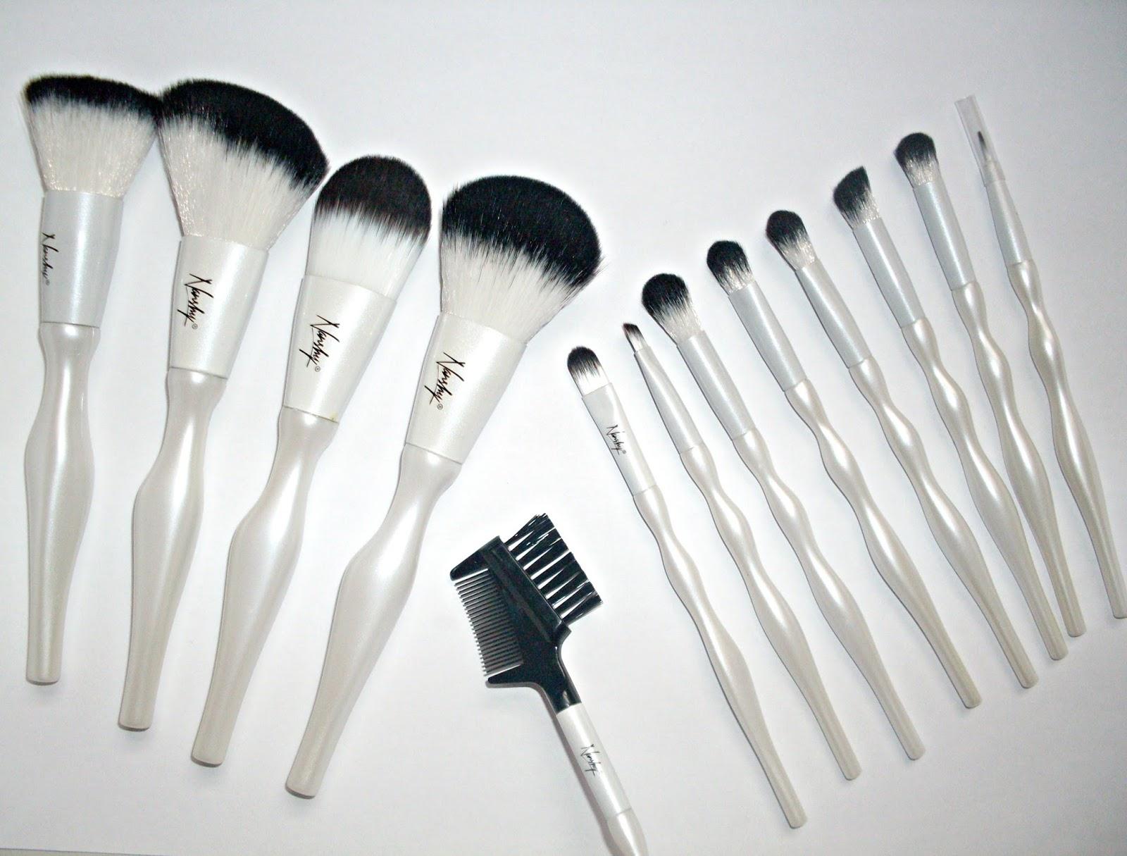 VelvetBlush Nanshy Luxury Make Up Brush Set Review