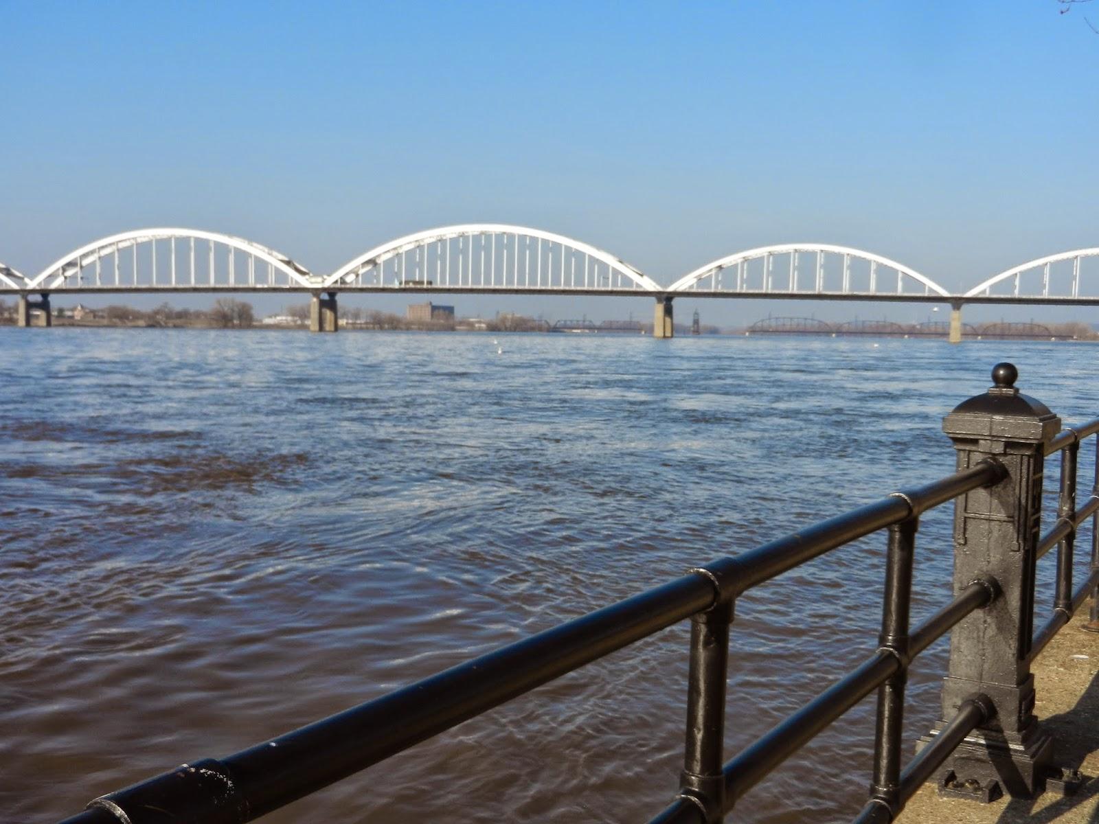 centennial bridge, davenport