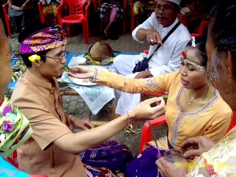 Balinese wedding ceremony, the meaning of marriage for Hindus in Bali