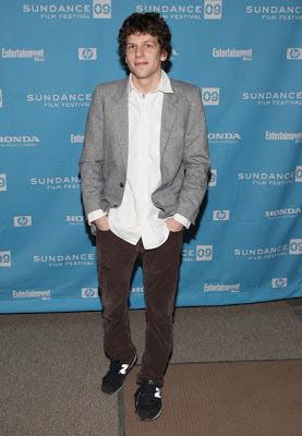 Fashion & Style: Jesse Eisenberg ダサい、モテない男性ファッションの典型だけど