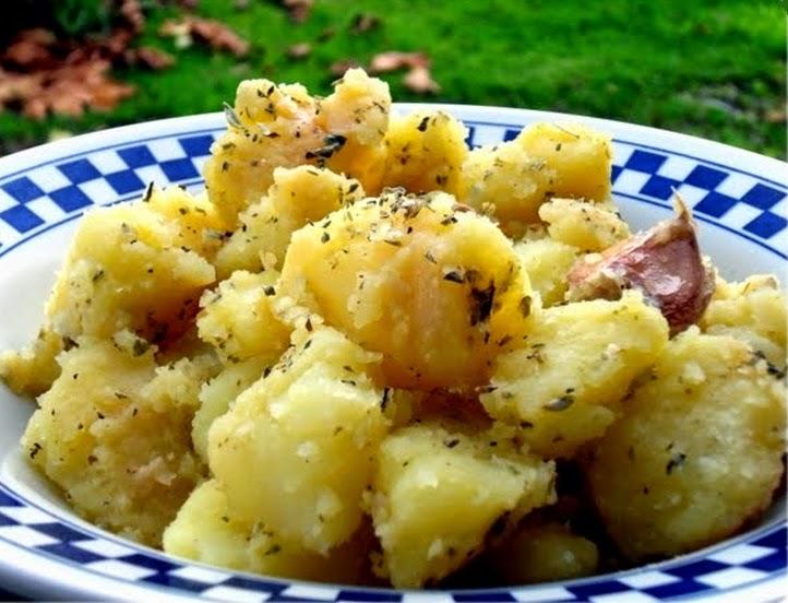 Salada Morna de Batata (vegana)