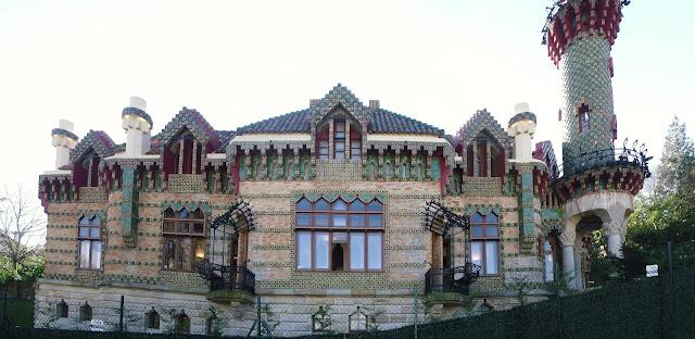 El Capricho de Gaudi en Comillas