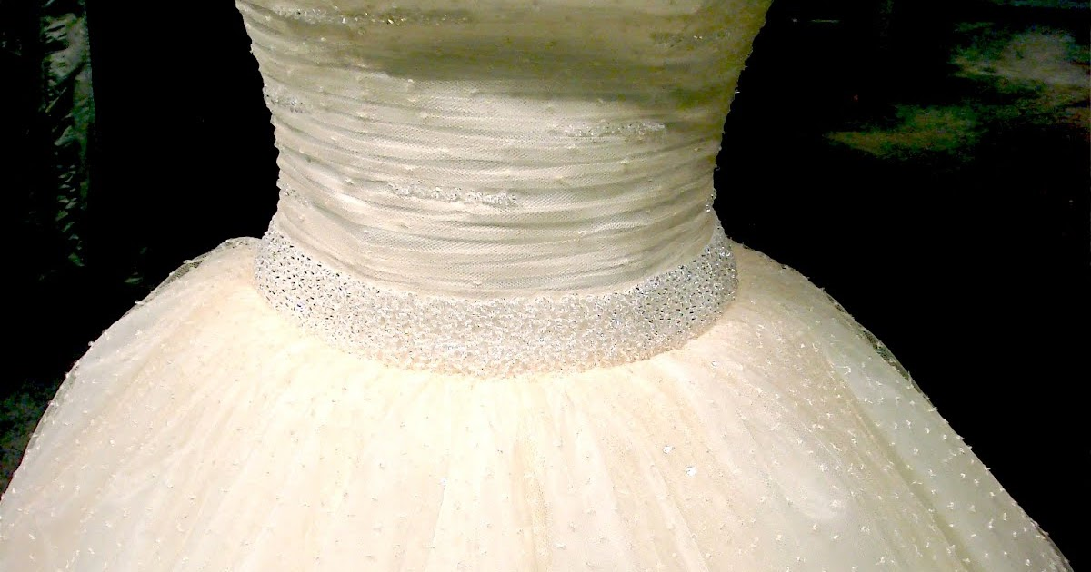 Chasing Rainbows Kissing Frogs: Polka Dot Wedding Dress by ...
