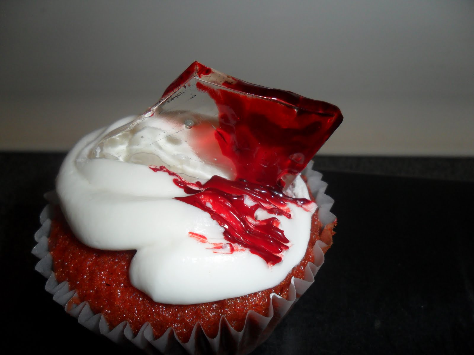 The Nomnomnomicon Johnny S Bloody Edible Glass Cupcakes
