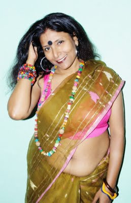 Bengali Real Life Matured Aunty Fleshy Navel Show