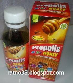 "<img src=""http://1.bp.blogspot.com/-S9RyyV6ZjgE/UaKSpiBXZcI/AAAAAAAAAlg/8KK1Ba3CGXA/s1600/Madu+Propolis+Kids+Honey_ratno38.JPG"" alt=""Madu Anak Propolis Kids Honey"">"