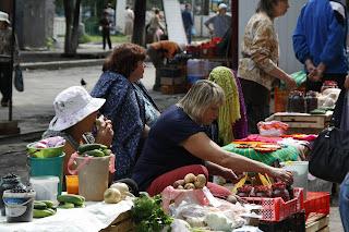 Mercado de comida en Tomsk, transiberiano 2015