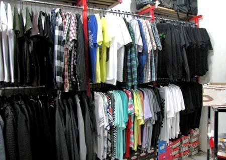 Bisnis Distro 2014 – Peluang Usaha Baju Kaos Rumahan