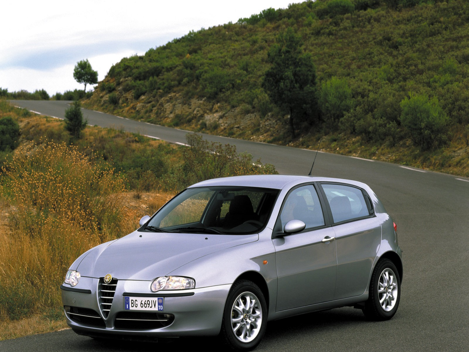 car photo wallpaper 2002 alfa romeo 147 jtd 16v. Black Bedroom Furniture Sets. Home Design Ideas