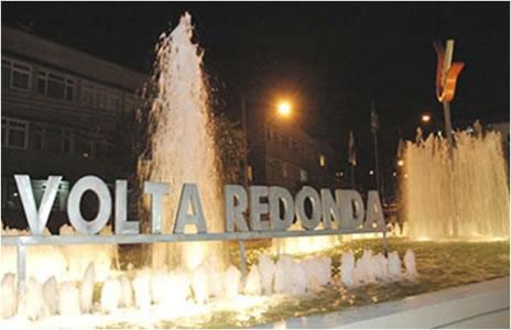 Jovem gay é morto a pauladas e jogado no Rio Paraíba, em Volta Redonda