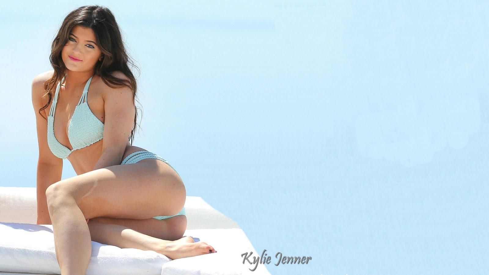 Kylie Jenner High Resolution