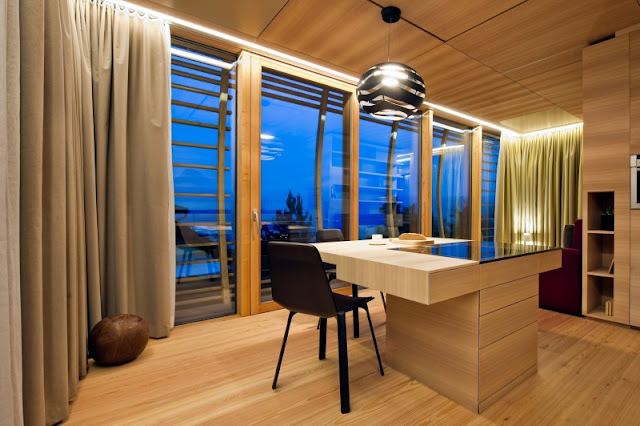 Soft Brown Wooden Dining Table and Ball Shaped Pendant Lamp
