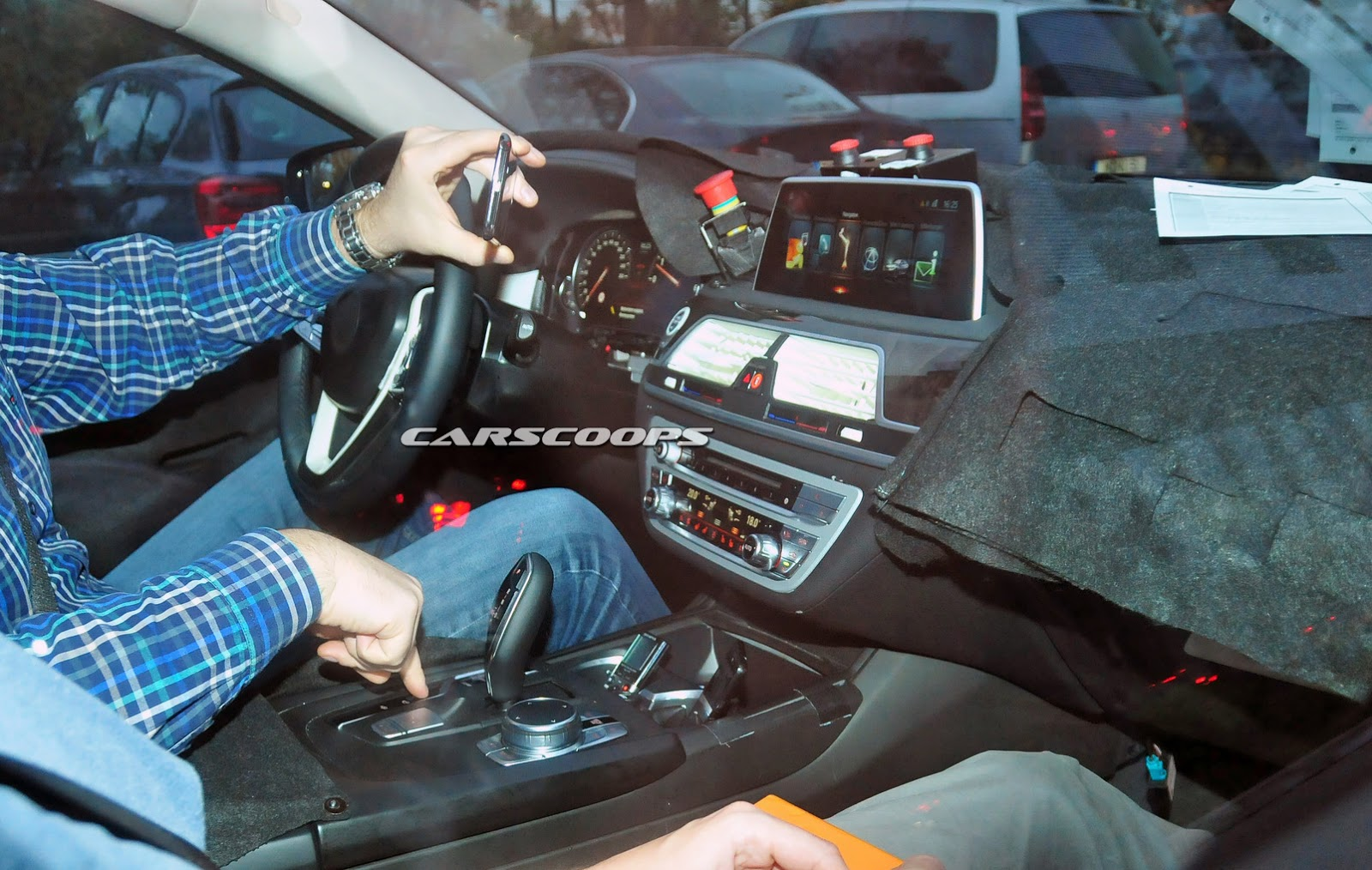 Scoop New 2016 BMW 7 Series G11 Opens Up And Shows Interior