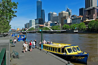 Holiday Fans travel the World RTW -family activities Budget Travel Yarra River Melbourne, Australia