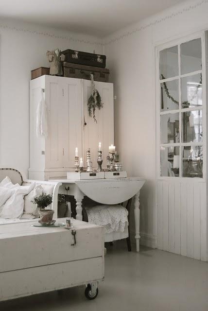 Espejos blancos en el rustico nordico interior design blogs - Espejo nordico ...
