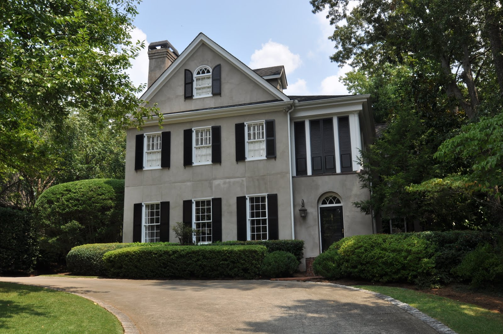 Real estate wisdom charleston style architecture in atlanta for Charleston style homes