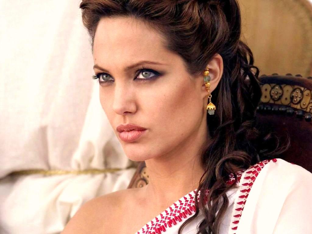 http://1.bp.blogspot.com/-SAd4kvT9scY/T6-Qu42wkkI/AAAAAAAADvQ/PZ82C1GmraM/s1600/Angelina+jolie+hair-empressgirliephotos.blogspot.com-angelina_jolie_0.jpg