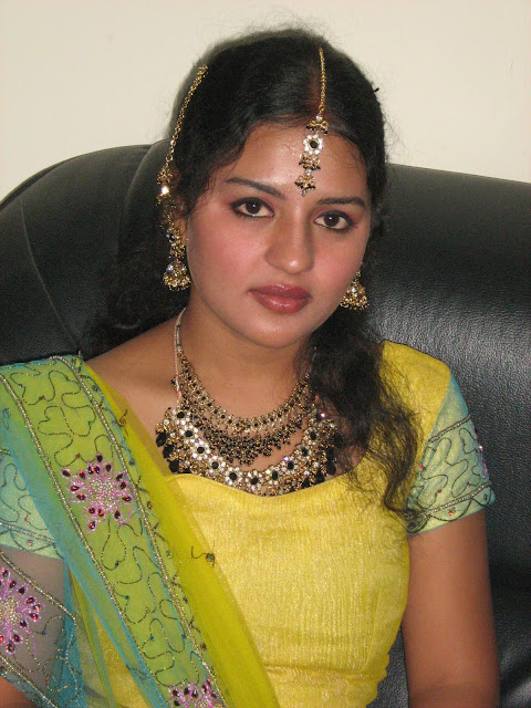 Indian Aunties hot Photos