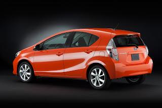 Exterior Side: Toyota Prius C / Aqua Hybrid Car