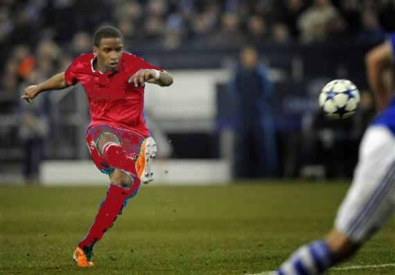Jefferson Farfán scoring a goal for Bayer Leverkussen.