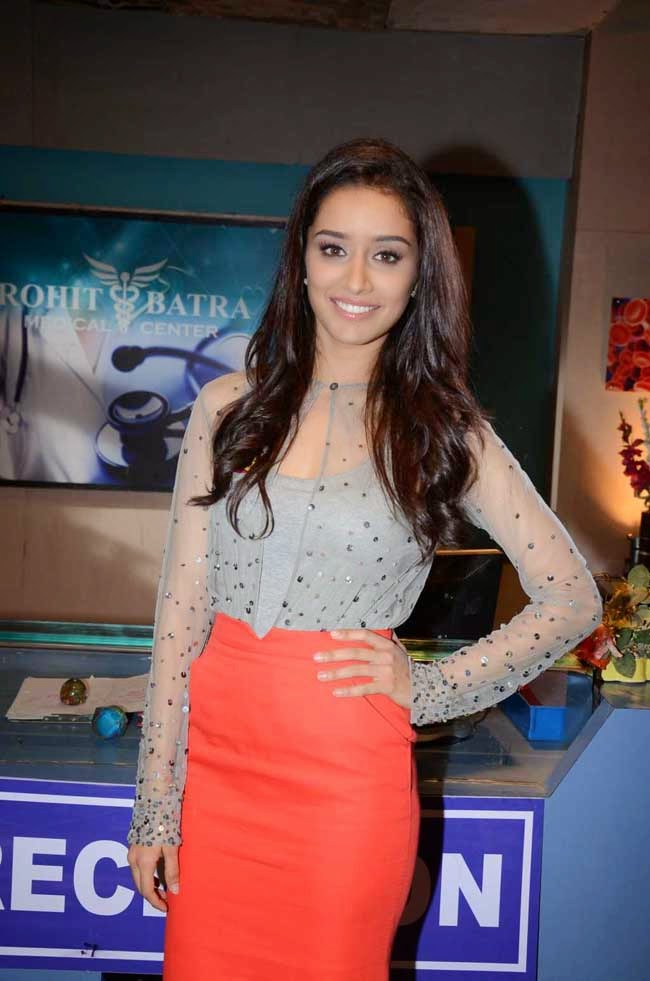 Actress Shraddha Kapoor in Nachiket Barve and Zara