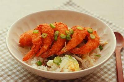 Vietnamese Food - Cơm Trộn Tôm Chiên Giòn