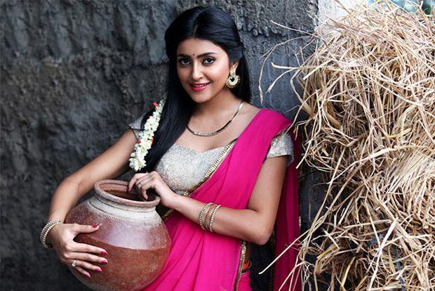 Avantika Mishra Spicy Photo Shoot