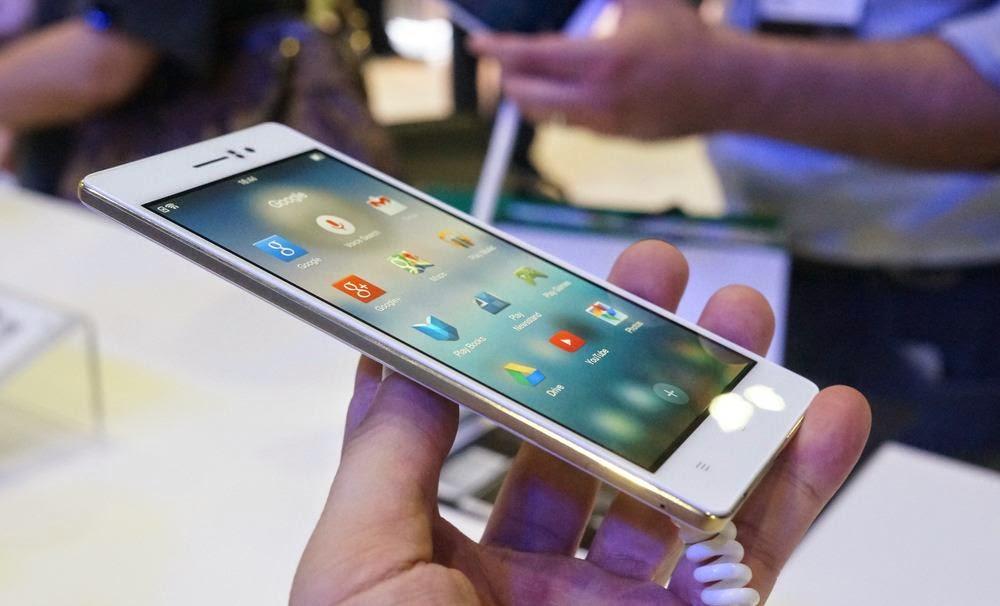 Harga dan spesifikasi Oppo R5 Smartphone tertipis di dunia.
