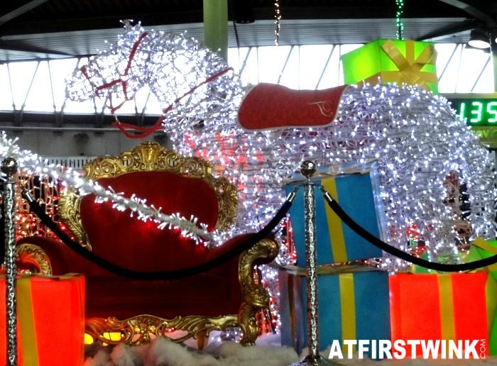 troon van Sinterklaas op Schiphol airport