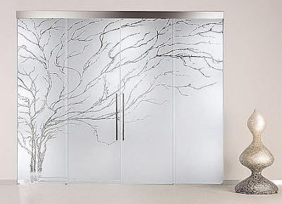 Decoraciones y mas decora con modernas puertas de cristal for Puertas de cristal decoradas