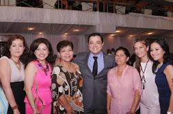 Festeja Ayuntamiento de Xalapa a madres trabajadoras