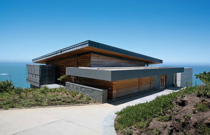 Street side facade of Cove 3, modern dream home by SAOTA