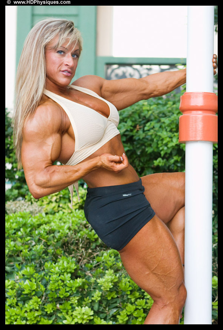 Heather Policky - Armbrust Flexing Her Bicep And Posing Her Built Quads
